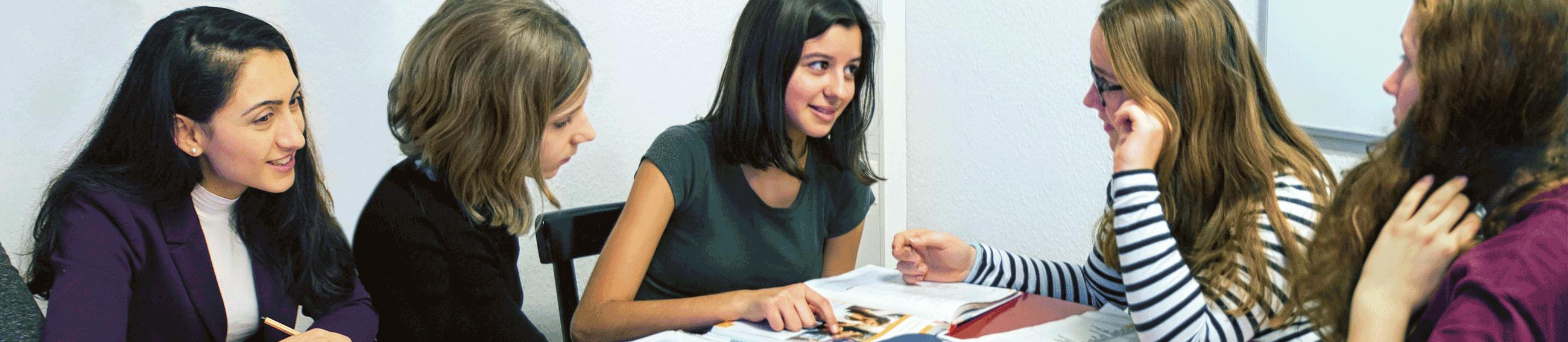 Hausaufgabenhilfe im M*Z. Foto von L.Vandrei